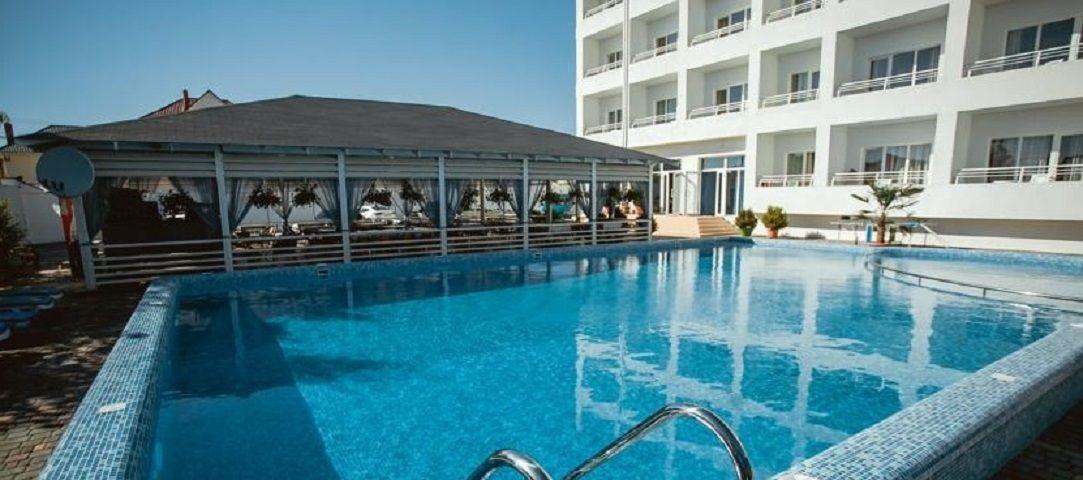 Продажа гостиницы на 105 номеров на 1-й линии - image gotovyy-biznes-adler-8-marta-ulica-398620969-1 on http://bizneskvartal.ru