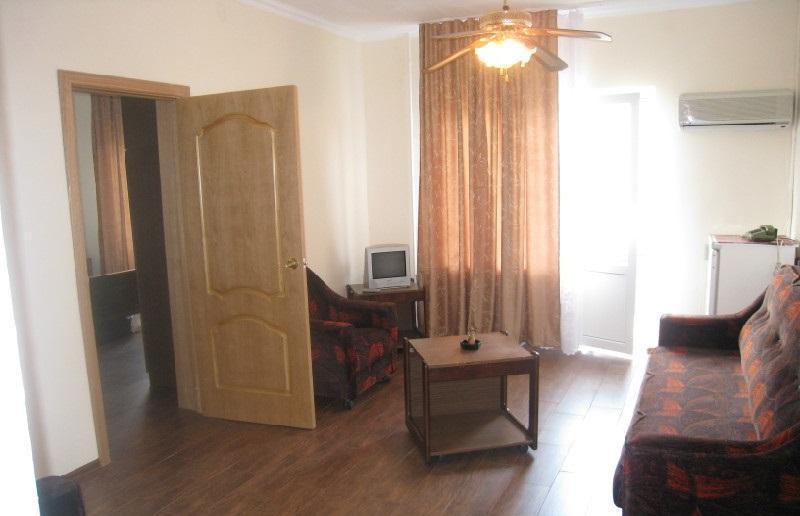 Продается действующая гостиница на 10 номеров в Адлере - image gotovyy-biznes-adler-krupskoy-ulica-222691736-1 on http://bizneskvartal.ru