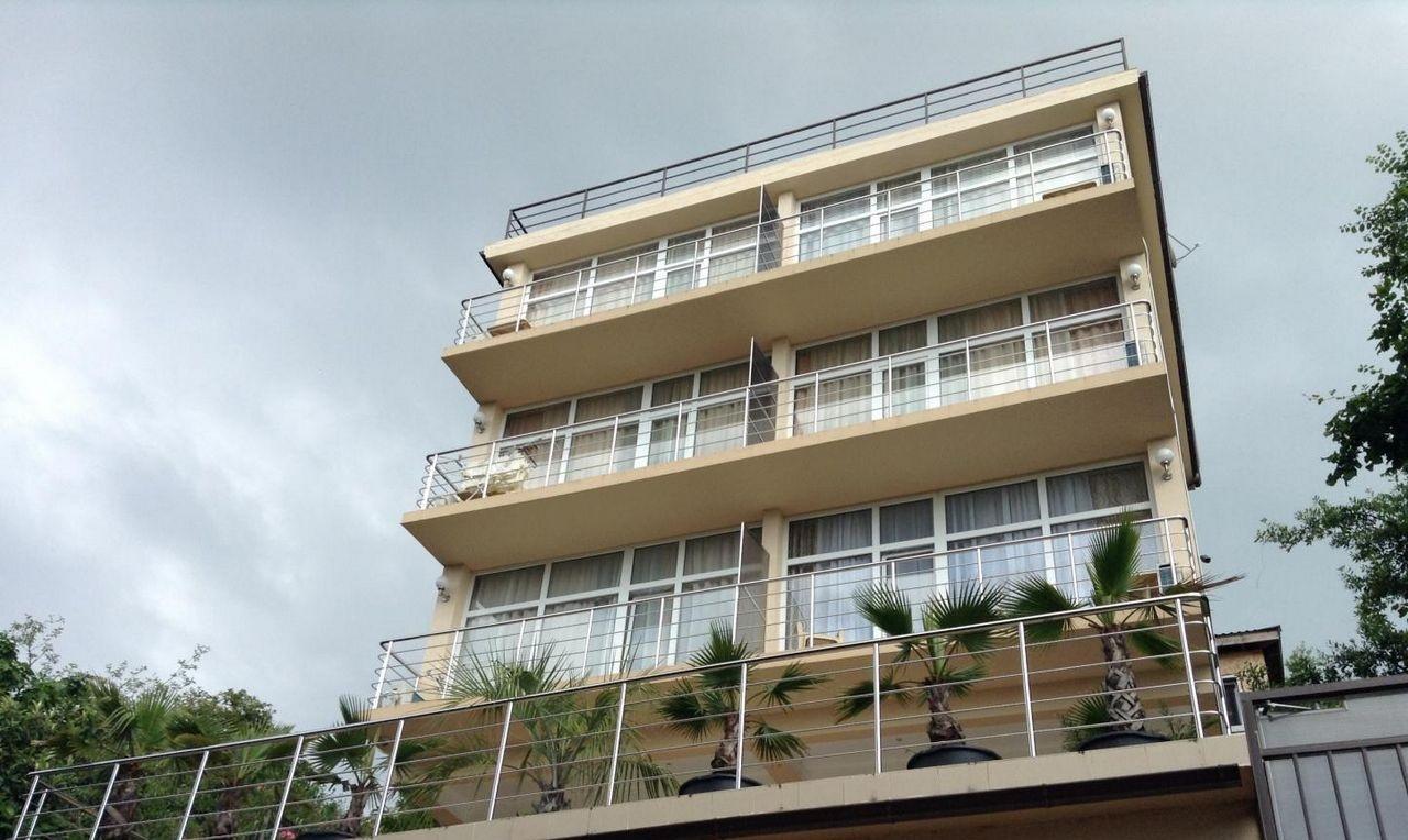 Продажа гостиницы с баром на крыше в Лазаревском - image gotovyy-biznes-lazarevskoe-pobedy-ulica-404178653-1 on http://bizneskvartal.ru