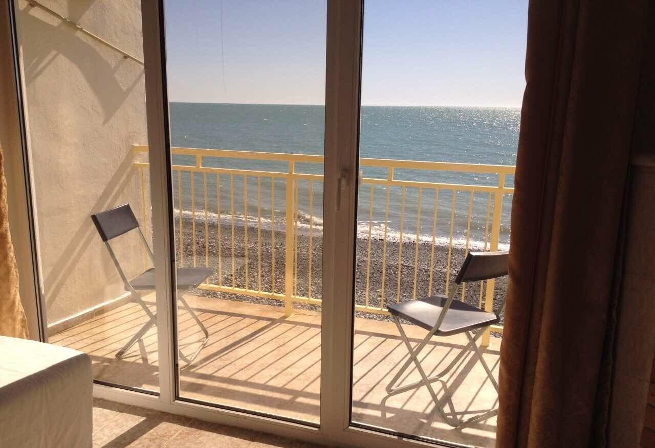 Продается отель в Лоо с выходом на пляж - image gotovyy-biznes-loo-333377241-1 on http://bizneskvartal.ru