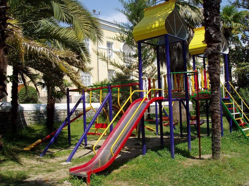Санаторий с собственным пляжем в Хосте - image Sanatorij-s-sobstvennym-plyazhem-v-Hoste-1 on http://bizneskvartal.ru