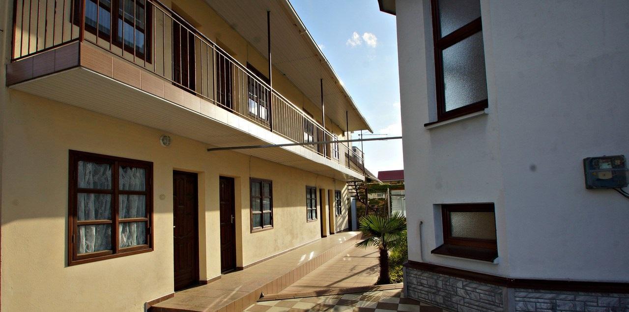 Гостиница с отдельным домом на участке - image gotovyy-biznes-adler-chkalova-ulica-244224184-1 on http://bizneskvartal.ru