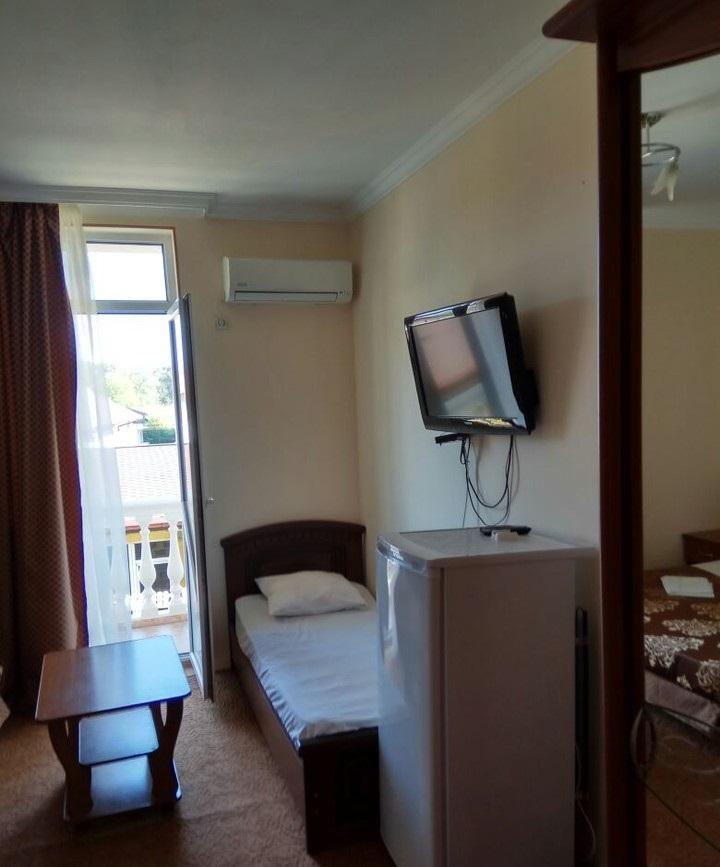 Трехэтажная гостиница на 13 номеров - image gotovyy-biznes-adler-tyulpanov-ulica-259447381-1 on http://bizneskvartal.ru
