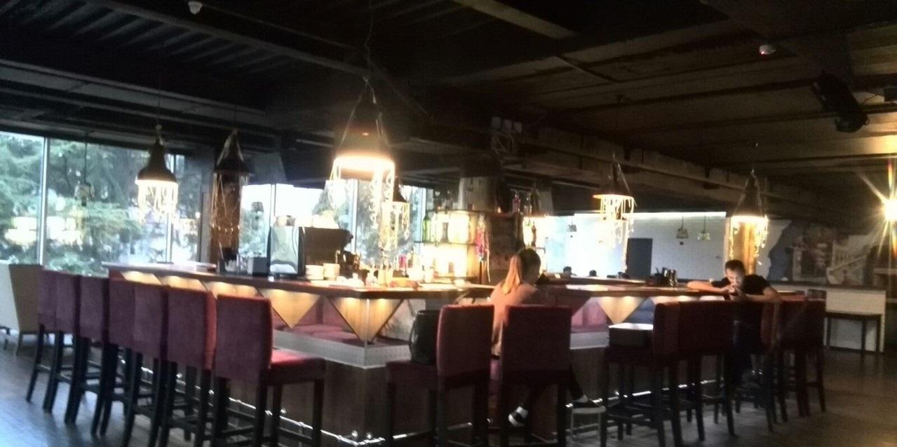 Ресторан на пересечении оживлённых улиц - image gotovyy-biznes-centralnyy-navaginskaya-ulica-249578890-1 on https://bizneskvartal.ru