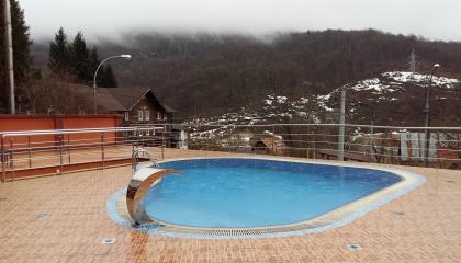 Гостиница у подножья горы Аибга