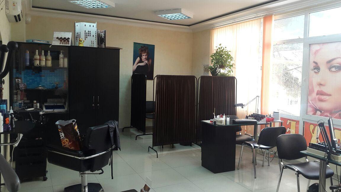 Парикмахерская в центре Сочи - image Parikmaherskaya-v-tsentre-Sochi on https://bizneskvartal.ru