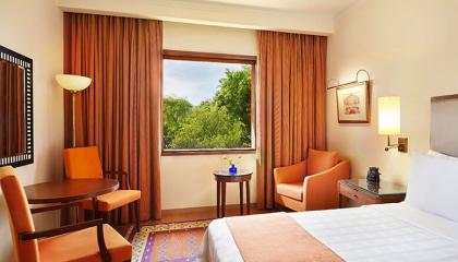 Отель на берегу реки Мзымта