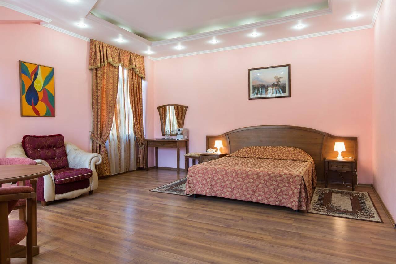 Отель в Красной Поляне - image Otel-v-Krasnoj-Polyane-6 on https://bizneskvartal.ru