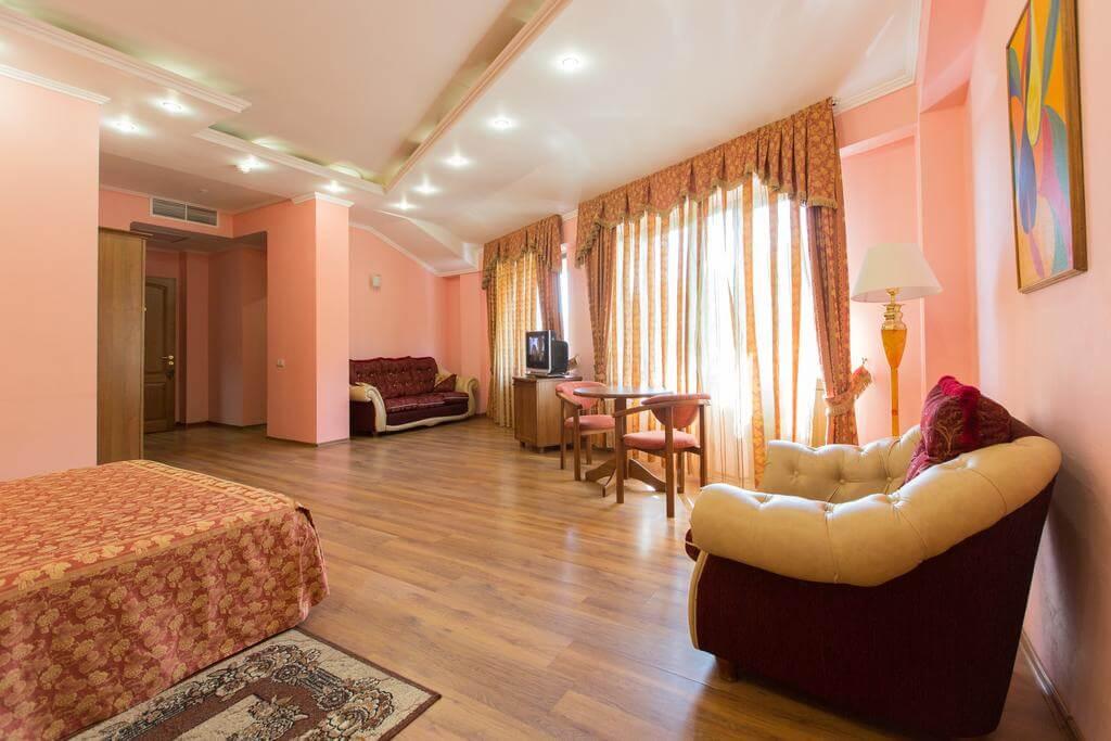 Отель в Красной Поляне - image Otel-v-Krasnoj-Polyane-8 on https://bizneskvartal.ru