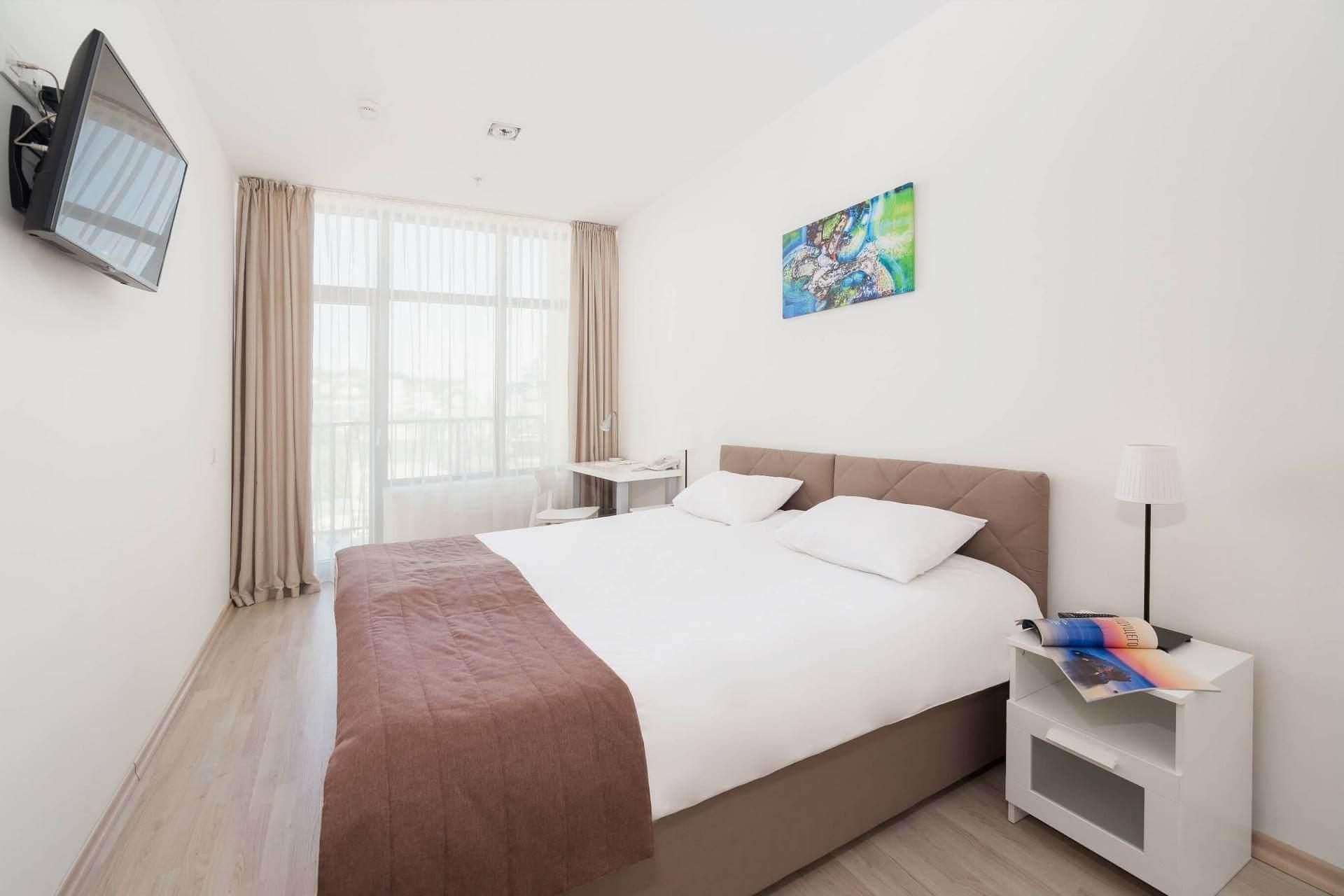 Три апартамента в центре курорта - image Tri-apartamenta-v-tsentre-kurorta-2 on https://bizneskvartal.ru