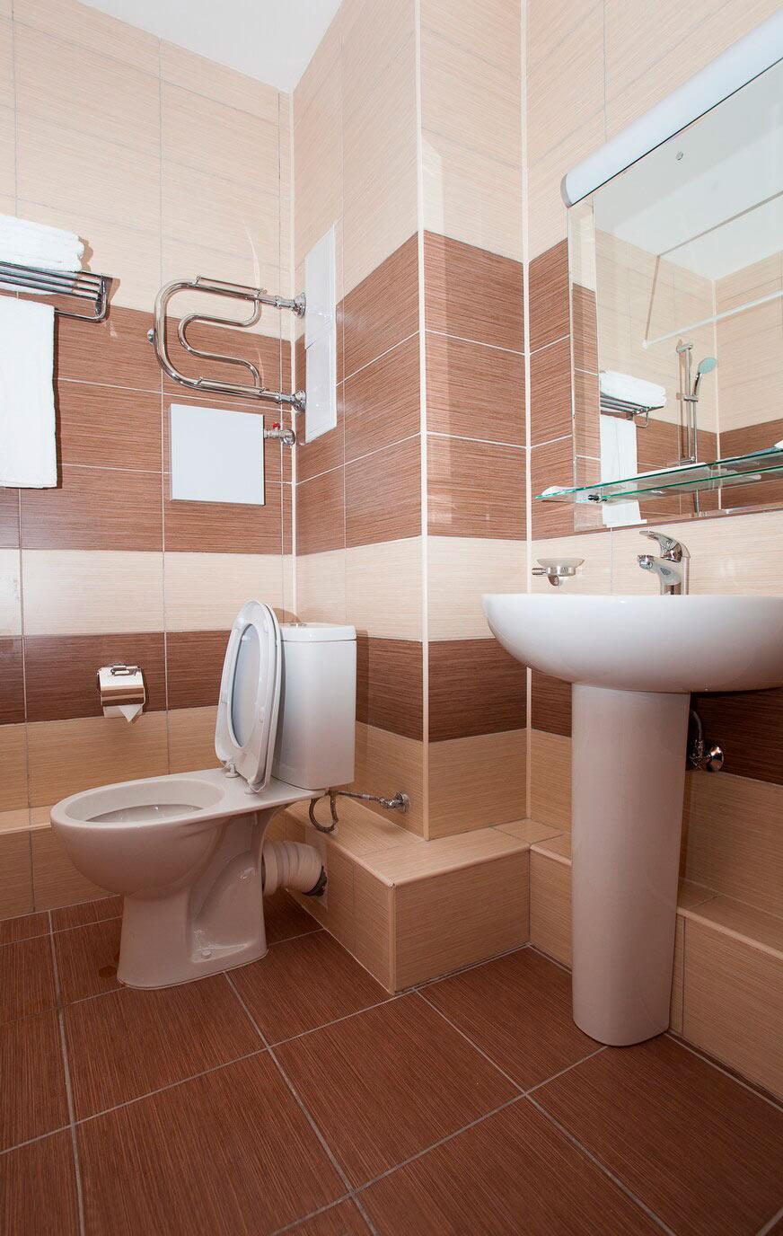 Апартаменты с балконом - image bathroom6-1-1 on http://bizneskvartal.ru