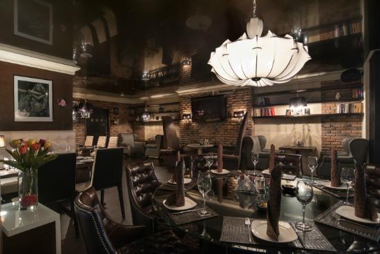 Действующий бар вблизи отеля Фрегат - image Dejstvuyushhij-bar-vblizi-otelya-Fregat on https://bizneskvartal.ru