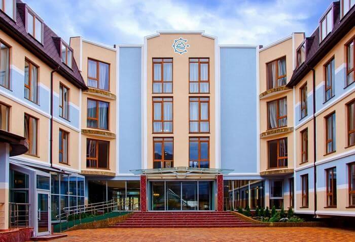 Отель по в Красной поляне - image Otel-po-v-Krasnoj-polyane-14 on https://bizneskvartal.ru