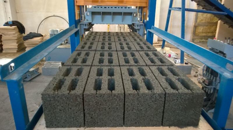 Действующее производство блоков, бордюров, тротуарной плитки - image izgotovlenie-keramzitobloka on https://bizneskvartal.ru