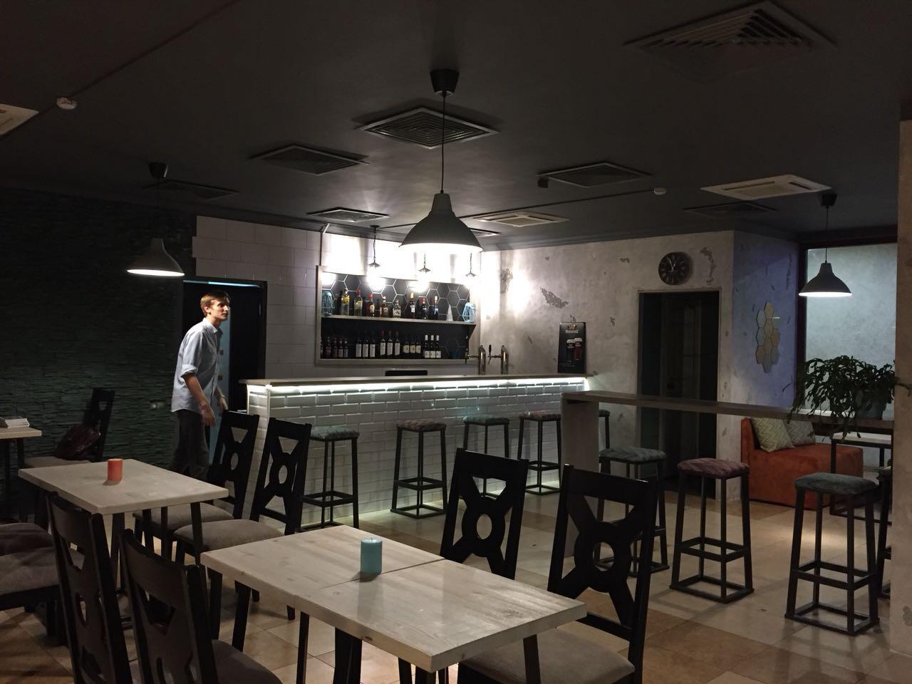Кафе бар в Красной поляне - image photo-2018-08-13-02-41-41-1 on http://bizneskvartal.ru