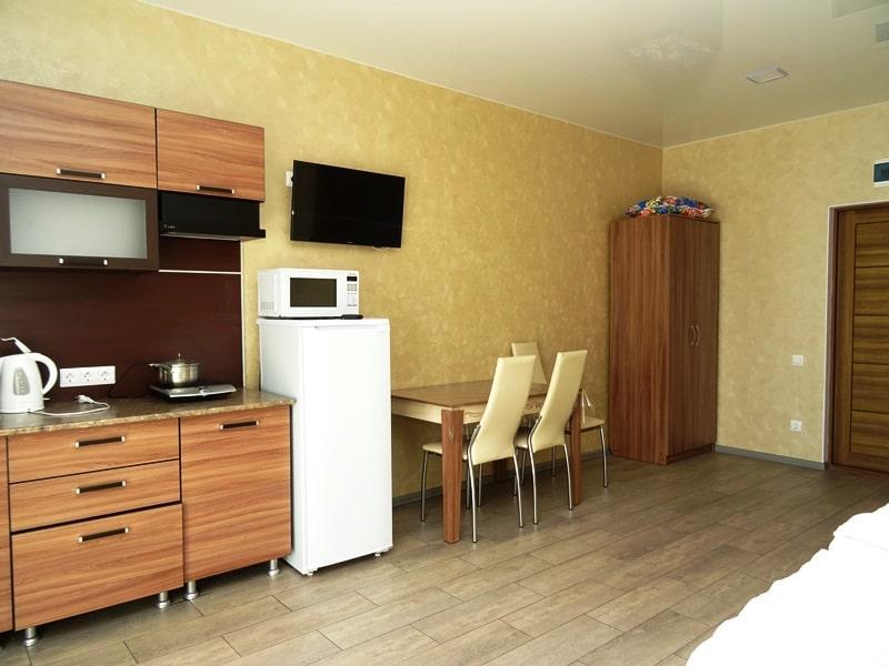 Продаётся гостевой дом у моря 483 м2 - image img_2152-min on https://bizneskvartal.ru