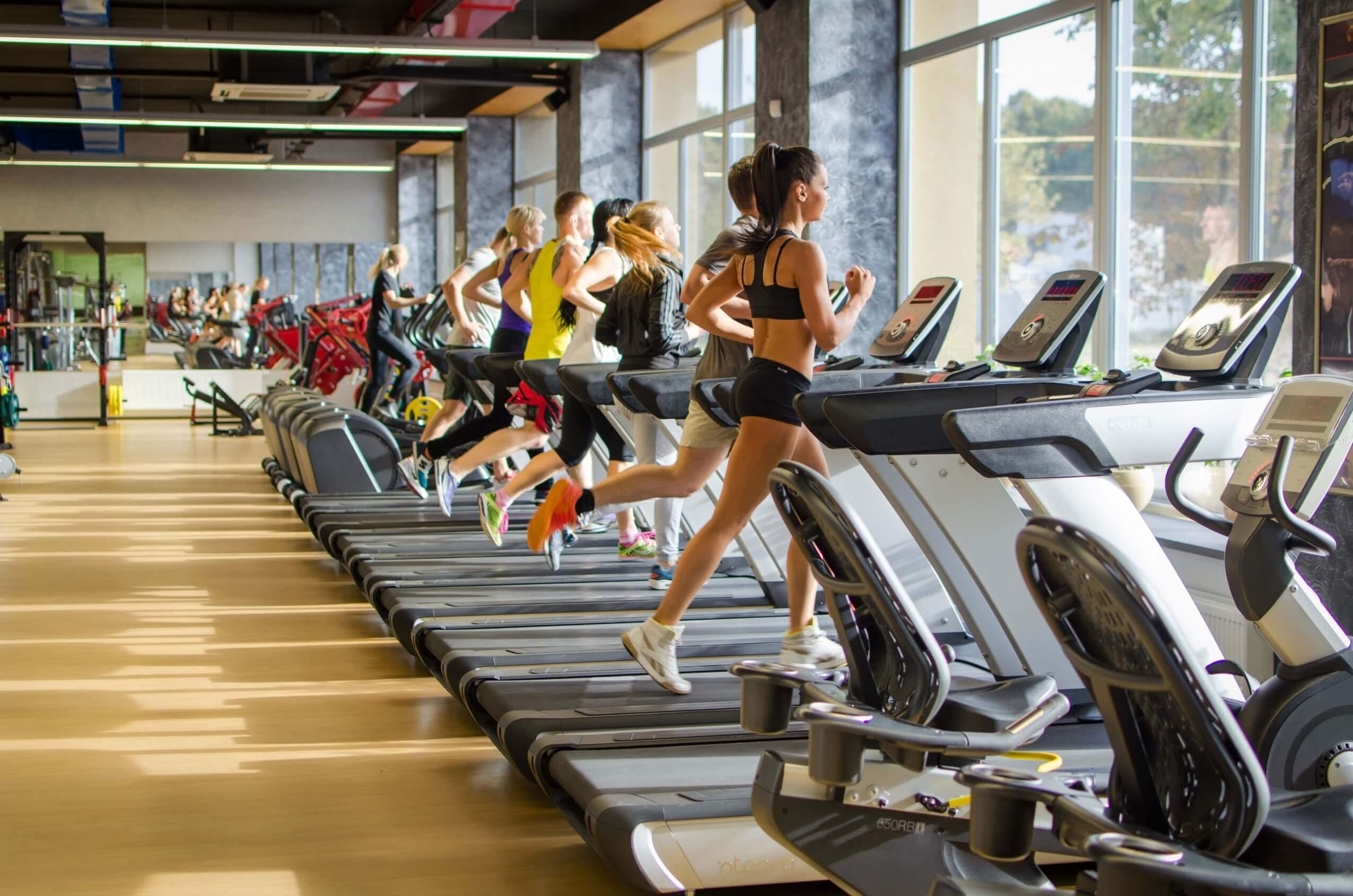 Чем фитнес-клуб отличается от тренажерного зала