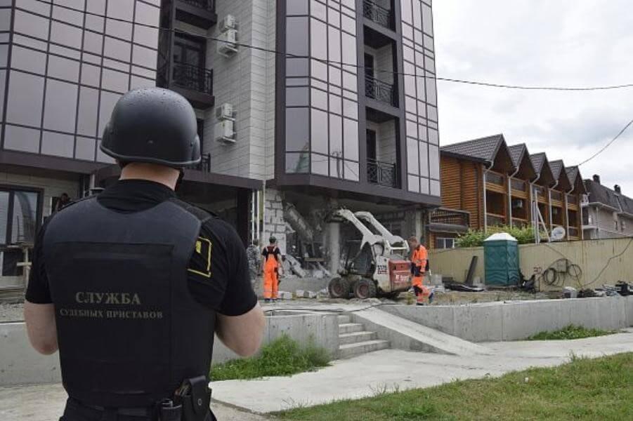 Борьба с незаконным строительством в Сочи