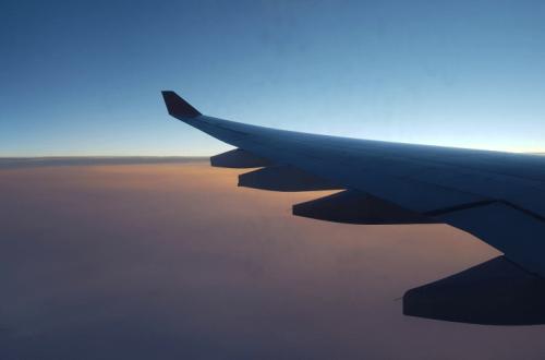 Сезонная миграция туристов из Сочи и Крыма спровоцировала скачок цен на авиабилеты